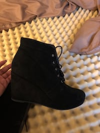 Pair of black faux suede boots Germantown, 20874