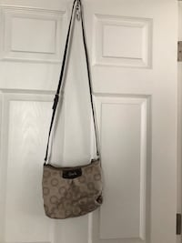 Women's coach sling purse Fresno, 93722