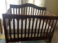 Baby crib with mattress and high chair Toronto, M1L 1G1