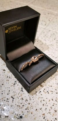 Beautiful rose gold wedding set!  2207 mi