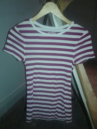 Stripped Old Navy t shirt