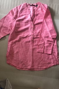 3/4 length sleeve blouse . Size M from Eddie Bauer Burnaby, V5H 1Z9