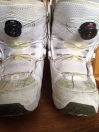 pair of white snowboard boots Whitchurch-Stouffville