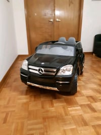 Mercedes Benz Toddler Truck