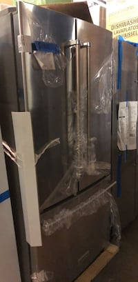 "New 33"" KitchenAid french doors refrigerator Baltimore, 21223"