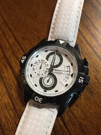 Men's guess watch. Excellent condition. Needs new battery
