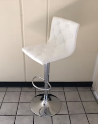 New in box White Curved Hydraulic Barstools Swivel Pub Chair South El Monte, 91733