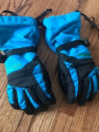 Snow gloves- YOUTH size XS. Calgary, T2T 1K1