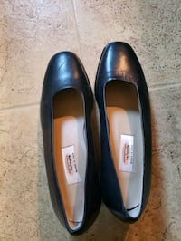 Talbots navy shoes, size 6.5 Milwaukee