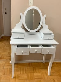 White Makeup table Mississauga, L5A 1T1