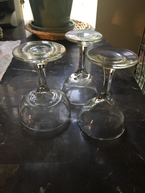 This is only a few crystal wine glasses. 0d918f6e-5b9d-4318-9680-8ea9052db8df