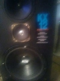 "Kx12 "" loud speakers with built in amp"