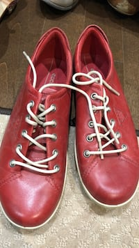 Only worn twice - Ecco comfort shoes size 7 Toronto, M4B 1P2