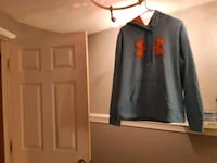 Under armour pullover  Surrey, V3S