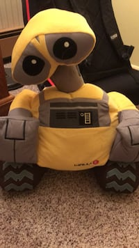 Wall-E plush Quakertown, 18951