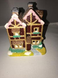 borwn and pink house miniature Christmas decoration Kelowna, V1X 3X1