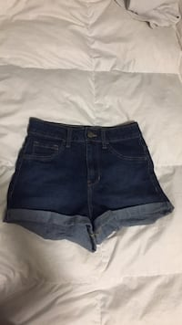 women's blue denim short shorts Kelowna, V1W 4Y6