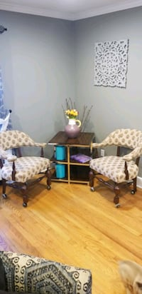 chairs and end table  Bridgeport