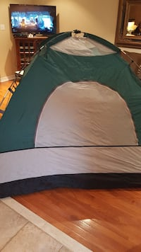 Spalding 4 man tent green and gray dome tent Richmond Hill, L4E 4V3