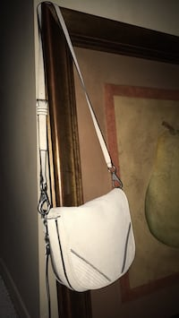 Ladies New tan 100% leather bag by she+Lo  price tag still on paid 228 Oakville, L6K 1Y8