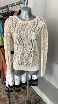 Wet seal white floral scoop-neck lace sweater