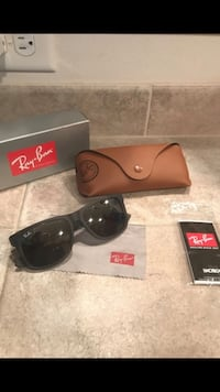 Ray-Ban Justin Black/grey w/grey gradient lenses Everett, 98208