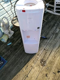 white and pink hot and cold water dispenser Glen Burnie, 21060