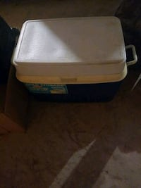 Cooler..54 quart ice chest Newburgh, 12550