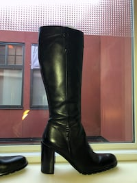 Guess by Marciano leather boots size 9