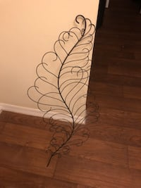 Feather decorative wall piece