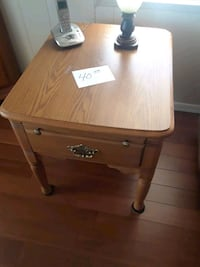 Oak end table w/drawer Chandler, 85224