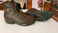 pair of brown leather work boots Frederick, 21701