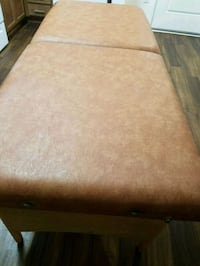 ATTRACTIVE PORTABLE MASSAGE TABLE COMFY & STURDY