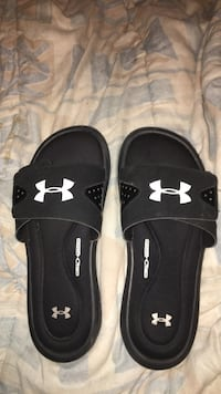 All black Under Armour slide sandals / size 6