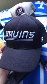 Good condition hats  San Fernando, 91340