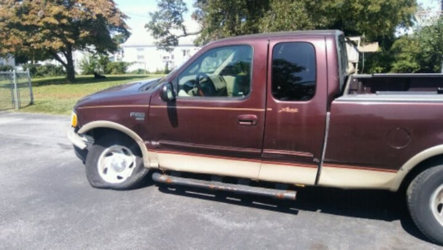 2000 Ford F-150 part out  7