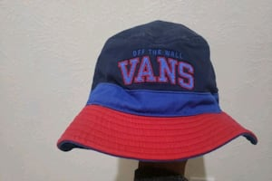 Van's bucket hat