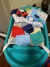 Baby bah tub. Towels and wash clothes