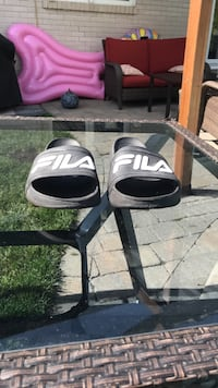 Fila slides negotiable