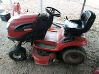 red and black Craftsman ride on lawn mower Boston, 22713