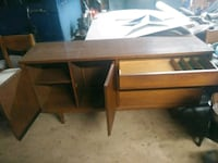 Antique Dinning room Table & Buffet Hardy, 24101