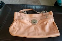 Coach leather purse 376 mi