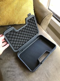 Small plastic storage / carrying case Portland, 97217