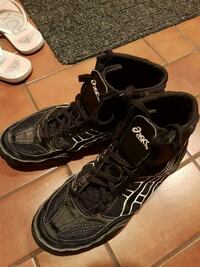 Men 10 wrestling Asics shoes Burnaby, V3N 1H4