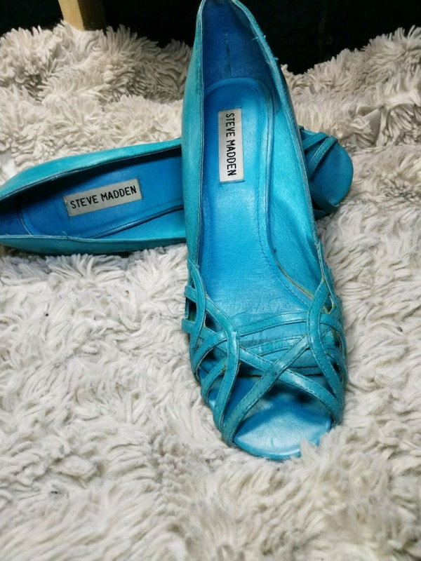 Steve Madden turquoise soft genuine leather size 7