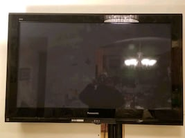 50 inch Panasonic Plasma TV model TH 50 PZ 700U