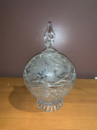 Beautiful crystal bowl with lid 多伦多, M1S 2L7