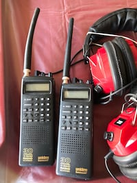 2 UNIDEN BEARCAT 30-CHANNEL 10-BAND RADIO SCANNERS AND HEADPHONES Las Vegas, 89131