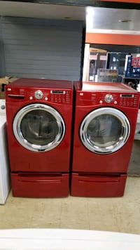 LG washer and gas dryer clean