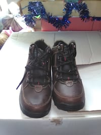 Brown leather hiking boots boys size 3m